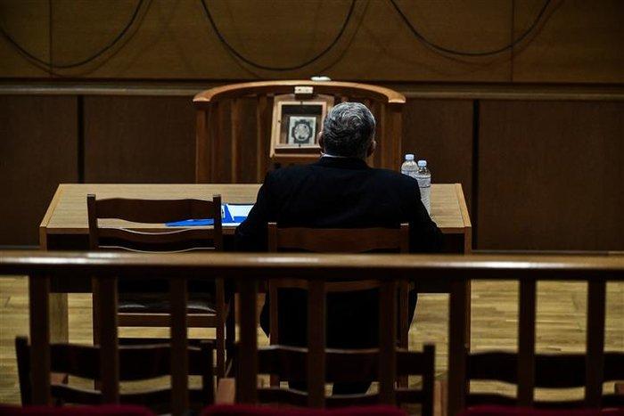 Αμετανόητος ο Μιχαλολιάκος στη δίκη: Πολιτική σκευωρία - εικόνα 4