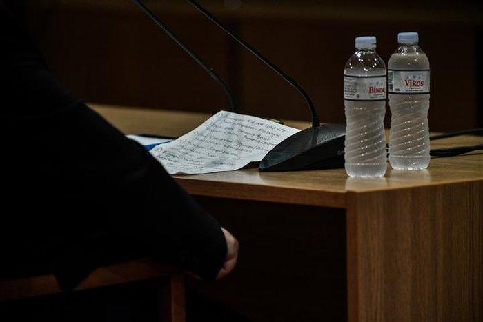 Αμετανόητος ο Μιχαλολιάκος στη δίκη: Πολιτική σκευωρία - εικόνα 5