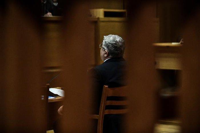 Αμετανόητος ο Μιχαλολιάκος στη δίκη: Πολιτική σκευωρία - εικόνα 6