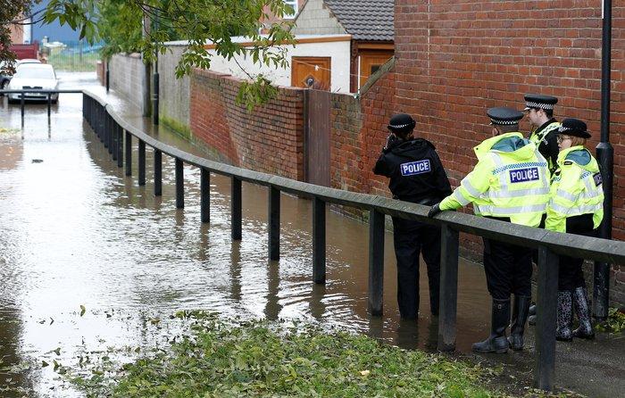Εντονες βροχοπτώσεις προκαλούν πλημμύρες στη βόρεια Αγγλία - εικόνα 3