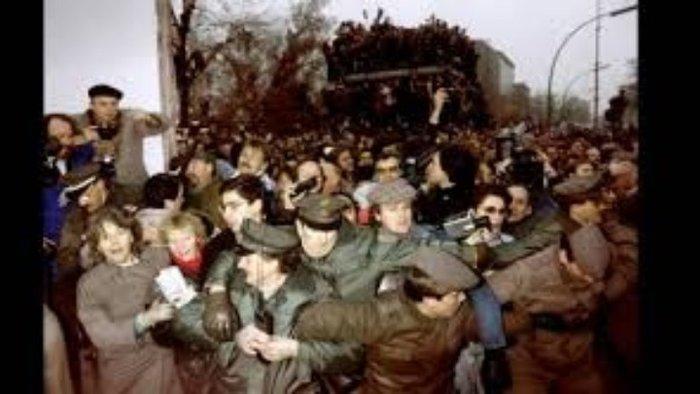 9 Νοεμβρίου 1989: Η ημέρα που άλλαξε τον κόσμο