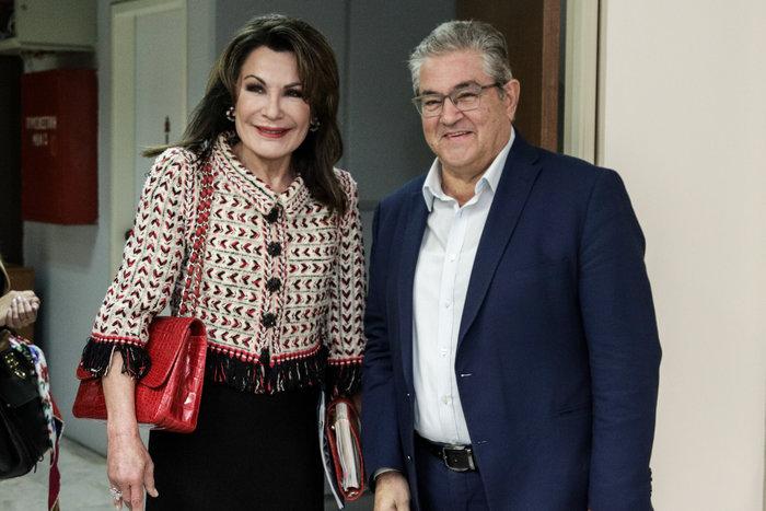 Γιάννα Αγγελοπούλου: Κομψή με τουίντ σακάκι και κόκκινη Chanel κροκό τσάντα - εικόνα 2