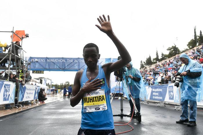 37ος Μαραθώνιος: Νικητής ο Κενυάτης Κόμεν, 3ος ο Κώστας Γκελαούζος - εικόνα 2