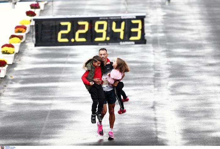 37ος Μαραθώνιος: Νικητής ο Κενυάτης Κόμεν, 3ος ο Κώστας Γκελαούζος - εικόνα 13