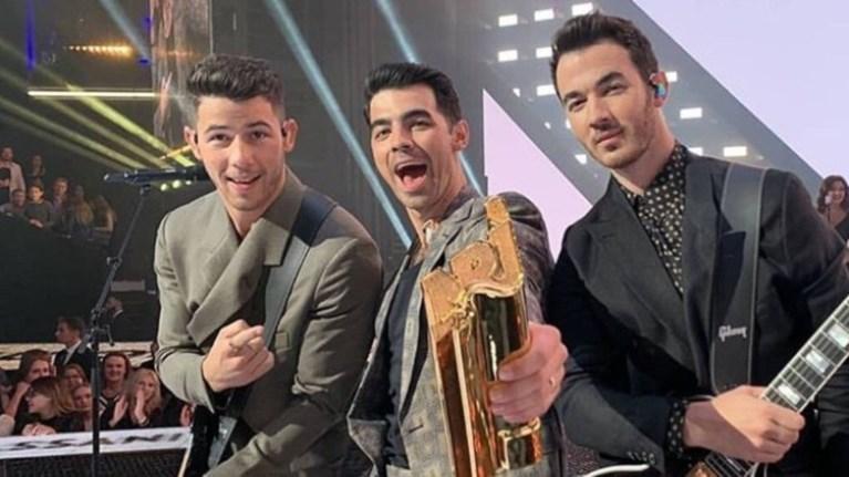jonas-brothers-diethnis-kallitexnis-tis-xronias-sta-2019-los40-music-awards