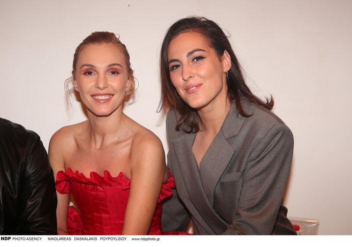 Σαν αδελφές:Η Τάμτα με την 24χρονη κόρη της Άννυ στο fashion show των MI-RO