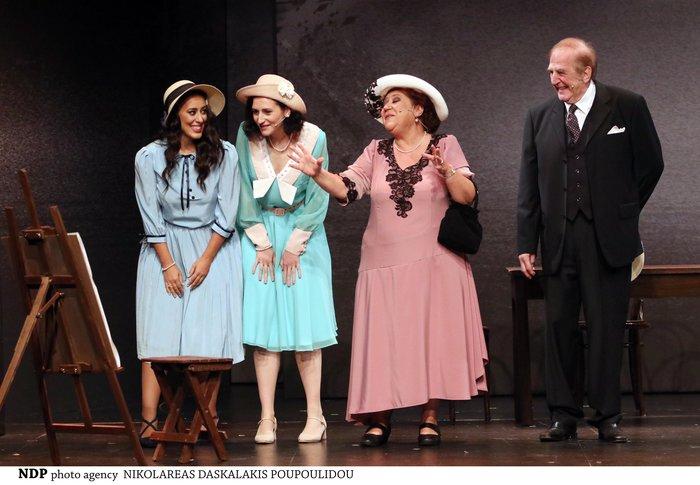 Γιώργος Κωνσταντίνου: Για πρώτη φορά παίζει στο θέατρο με την κόρη του Αννα - εικόνα 2