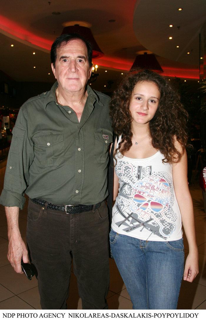 Γιώργος Κωνσταντίνου: Για πρώτη φορά παίζει στο θέατρο με την κόρη του Αννα - εικόνα 7