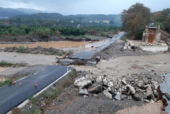 Καταστροφές σε Χανιά, Κέρκυρα και Κεφαλονιά από την κακοκαιρία - εικόνα 4