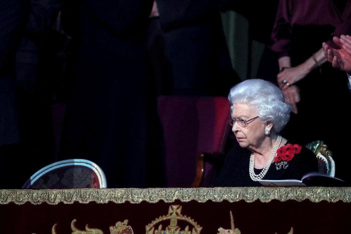Τελεσίγραφο Χάρι-Μέγκαν στη βασίλισσα: Μην μας περιμένεις τα Χριστούγεννα - εικόνα 3