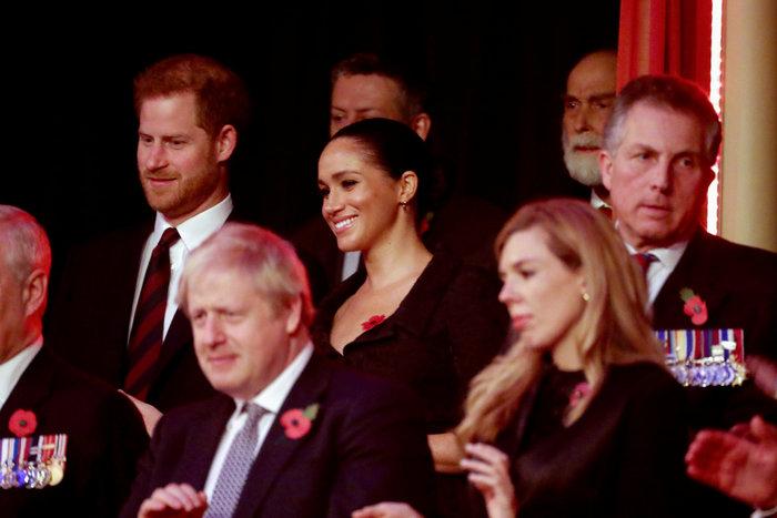 Τελεσίγραφο Χάρι-Μέγκαν στη βασίλισσα: Μην μας περιμένεις τα Χριστούγεννα - εικόνα 2