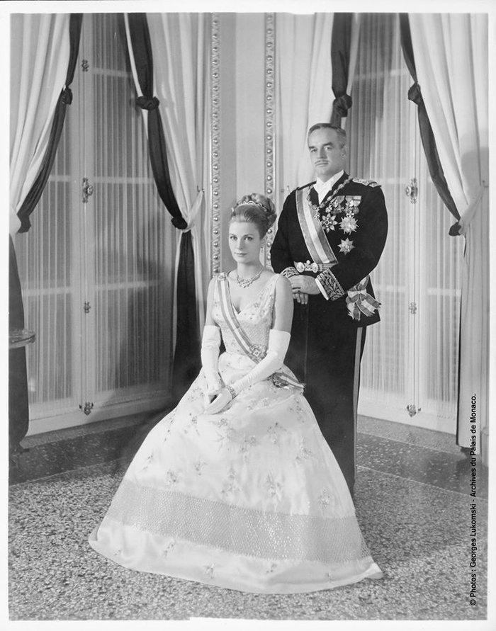Το παλάτι τιμά την Γκρέις Κέλι με δέκα σπάνιες φωτογραφίες