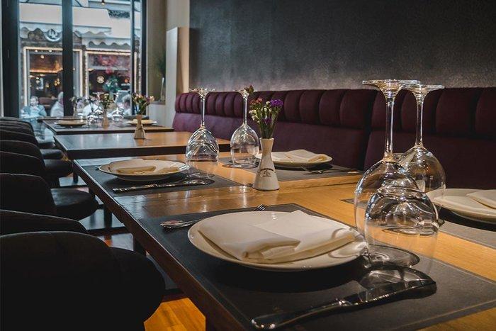 """Άνοιξε και λειτουργεί ξανά το ιστορικό εστιατόριο """"Κεντρικόν"""" - εικόνα 4"""
