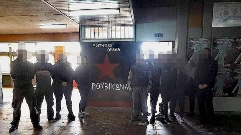 ektakto-parembasi-tou-roubikwna-sto-spiti-tou-adwni