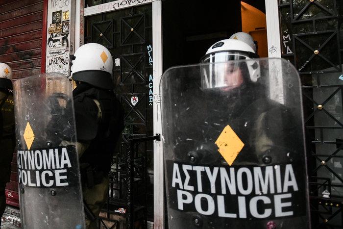Πολυτεχνείο: Επτά συλλήψεις στα Εξάρχεια από την ΕΛΑΣ (φωτό) - εικόνα 4
