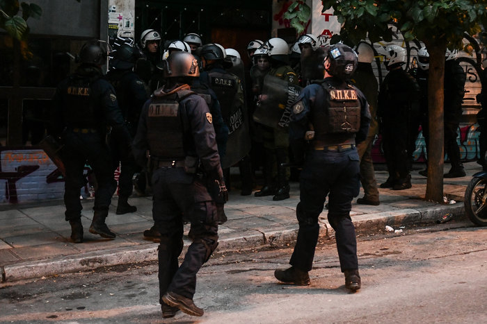 Πολυτεχνείο: Επτά συλλήψεις στα Εξάρχεια από την ΕΛΑΣ (φωτό)