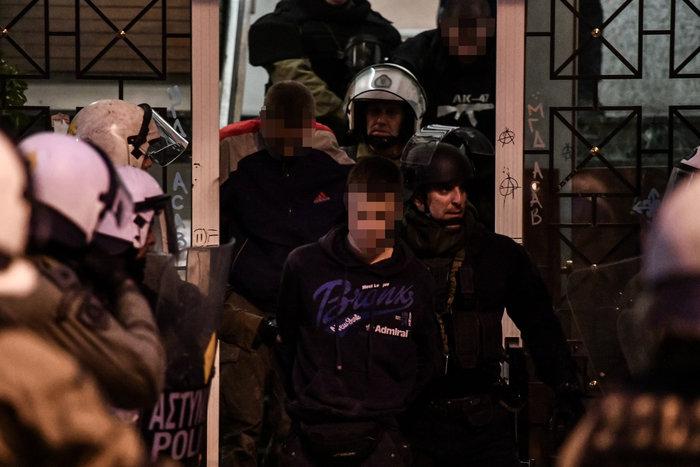 Εξάρχεια: Αυτοί είναι οι αναρχικοί που συνέλαβαν τα ΜΑΤ - εικόνα 2