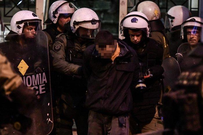 Εξάρχεια: Αυτοί είναι οι αναρχικοί που συνέλαβαν τα ΜΑΤ - εικόνα 3