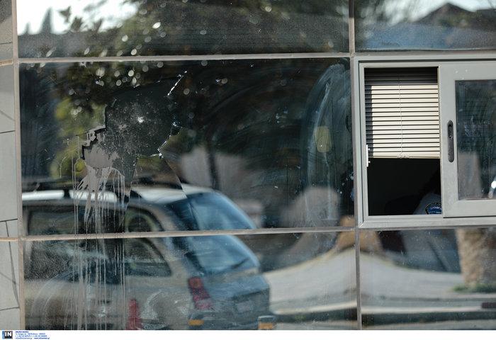 Καταδρομικές επιθέσεις του Ρουβίκωνα σε Μαρούσι και Ν. Φιλαδέλφεια - εικόνα 3