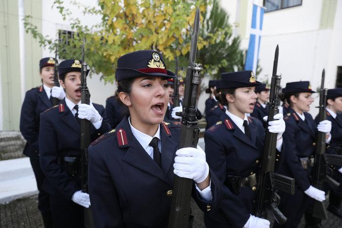 Ορκίστηκαν οι γυναίκες αξιωματικοί των Ενόπλων Δυνάμεων (φωτό) - εικόνα 4