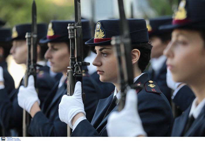 Ορκίστηκαν οι γυναίκες αξιωματικοί των Ενόπλων Δυνάμεων (φωτό) - εικόνα 7