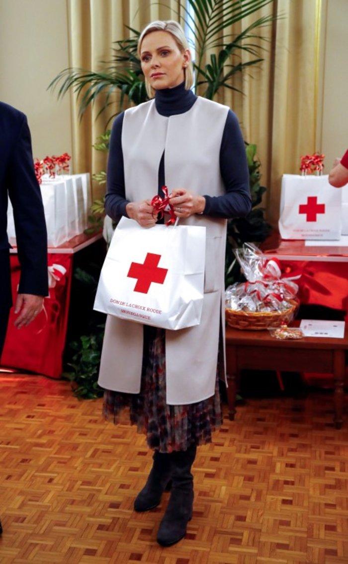 Πανέμορφη η «θλιμμένη» Σαρλίν του Μονακό σε casual εμφάνιση [Εικόνες]