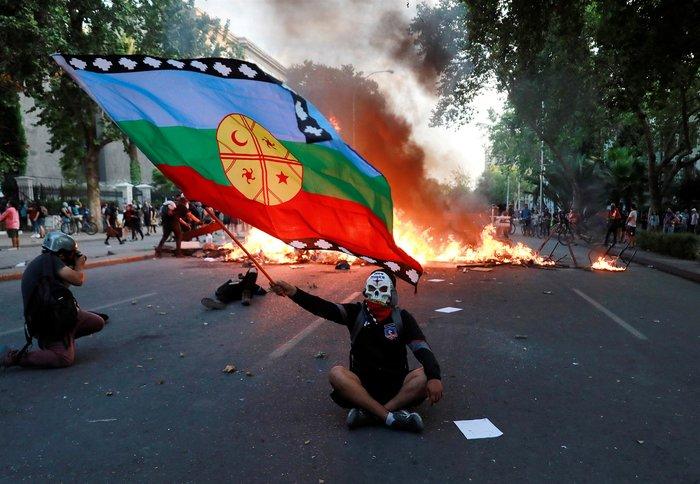 """Ενας μήνας από τη βίαιη """"αφύπνιση"""" της Χιλής - εικόνα 3"""