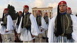 lebentia-oi-euzwnoi-stin-akropoli-gia-tis-enoples-dunameis