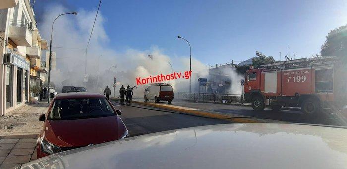 Φωτιά σε φορτηγό εν κινήσει στο Κιάτο (φωτό) - εικόνα 2