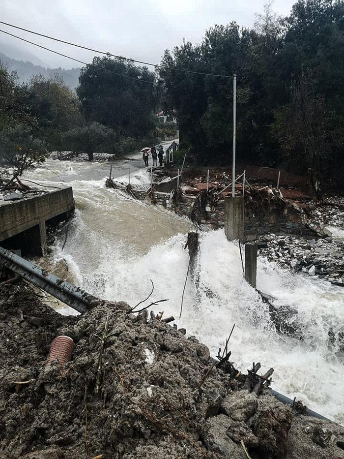 Εικόνες καταστροφής στη Θάσο - Μετράει τις πληγές του το νησί