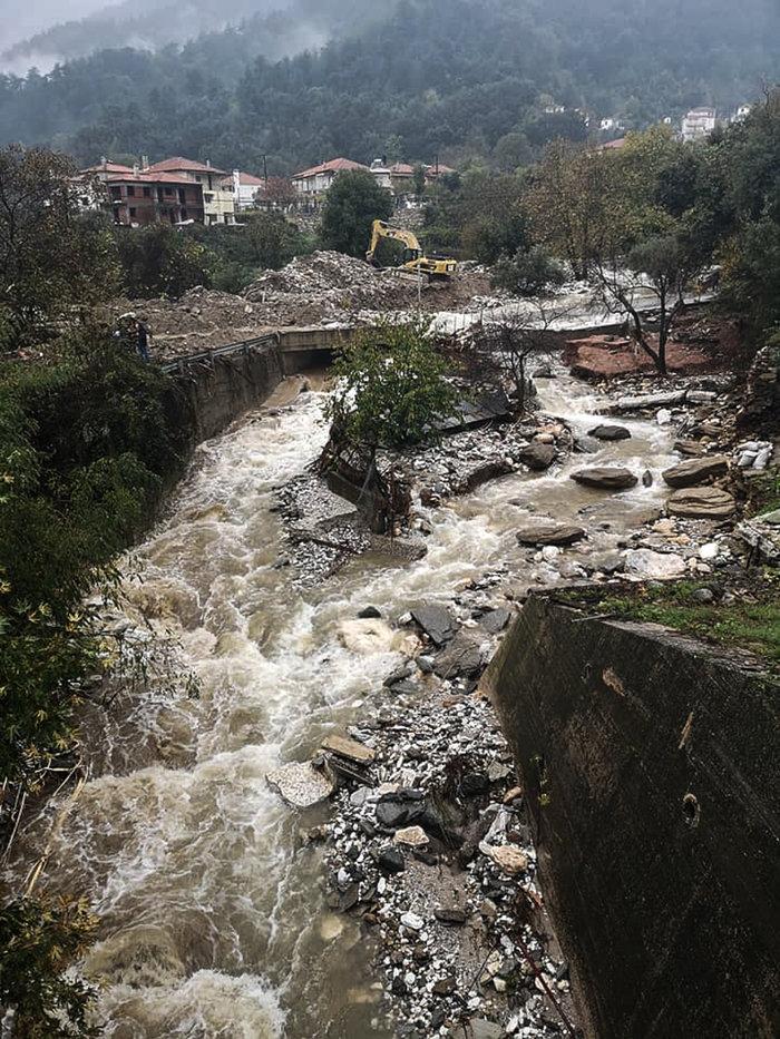 Εικόνες καταστροφής στη Θάσο - Μετράει τις πληγές του το νησί - εικόνα 2