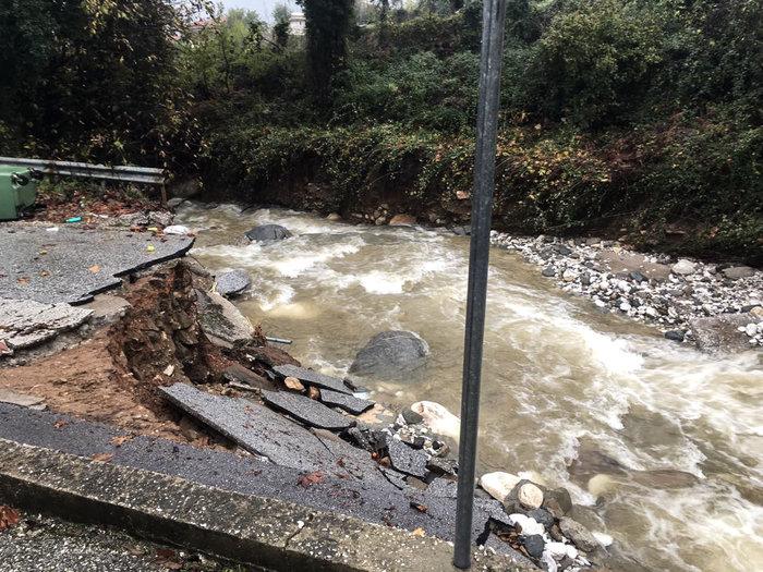 Εικόνες καταστροφής στη Θάσο - Μετράει τις πληγές του το νησί - εικόνα 3