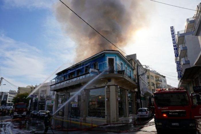Κάηκε ολοσχερώς καφετέρια στο κέντρο των Χανίων