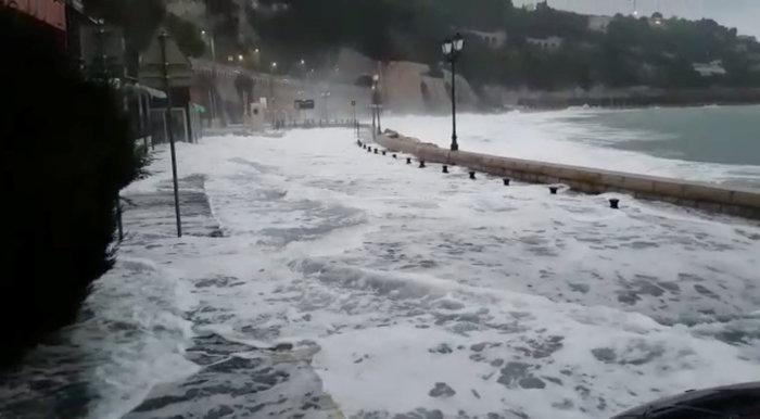 """""""Πνίγηκαν"""" από τις πλημμύρες Γαλλία και Ιταλία (φωτό) - εικόνα 3"""