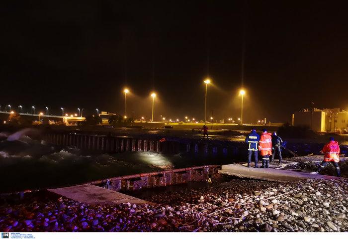 Αναποδογύρισε σκάφος στο Αντίρριο - Ανασύρθηκε ένας νεκρός