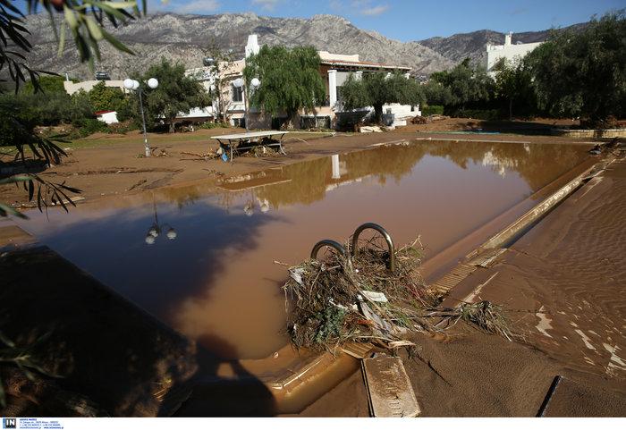 """Καρέ-καρέ η """"βιβλική"""" καταστροφή στην Κινέτα - Δείτε τις εικόνες"""