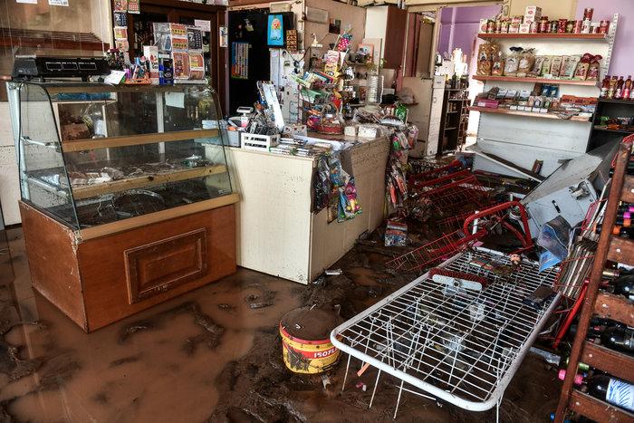 Μινι μάρκετ έγινε «χωματερή» στην Κινέτα - Φωτο - εικόνα 3