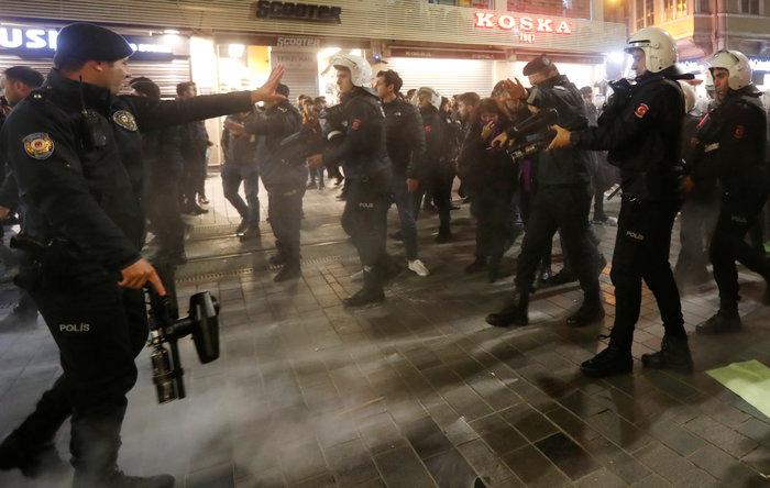 Τουρκία: Η αστυνομία διέλυσε διαδήλωση κατά της βίας σε βάρος των γυναικών - εικόνα 2