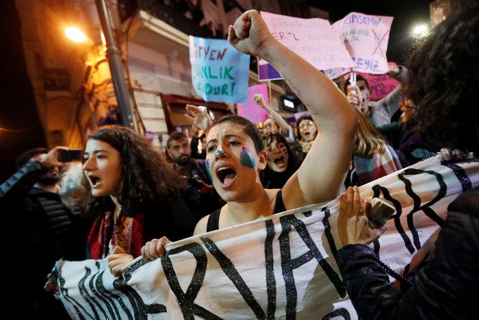 Τουρκία: Η αστυνομία διέλυσε διαδήλωση κατά της βίας σε βάρος των γυναικών