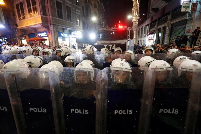 Τουρκία: Η αστυνομία διέλυσε διαδήλωση κατά της βίας σε βάρος των γυναικών - εικόνα 4