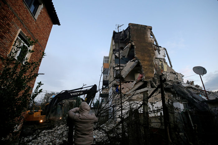Δέκα νεκροί και εκατοντάδες τραυματίες από τα 6,4 Ρίχτερ στην Αλβανία - εικόνα 6