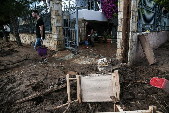 Σοκ: Σπίτι στην Κινέττα μετατράπηκε σε χωματερή - εικόνα 3