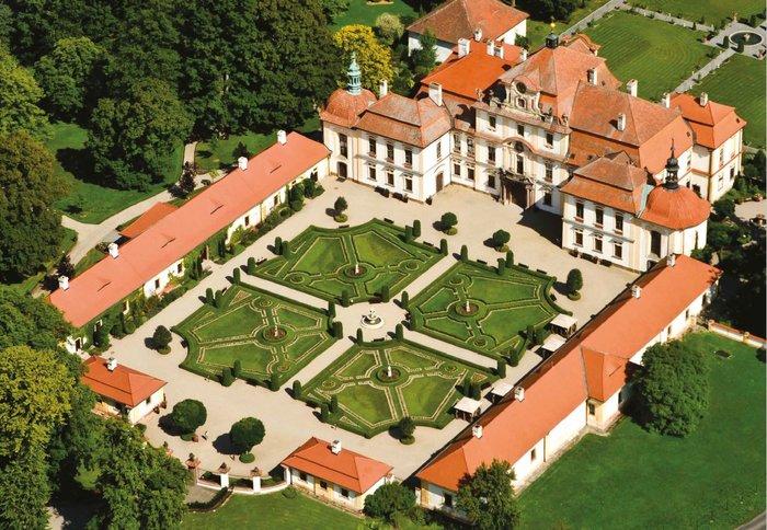 Η έκθεση με τα ωραιότερα κάστρα της Τσεχίας στο Μ. Κακογιάννης - εικόνα 4
