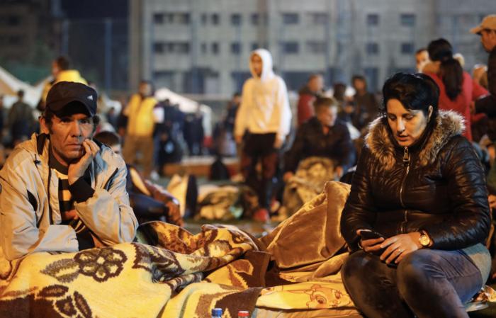 Αλβανία: Αγωνία στα συντρίμμια για τους επιζώντες - Mάχη με τον χρόνο - εικόνα 7