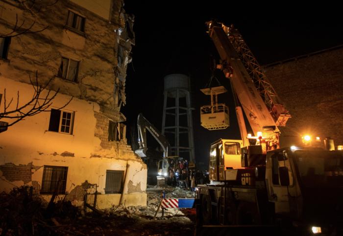 Αλβανία: Αγωνία στα συντρίμμια για τους επιζώντες - Mάχη με τον χρόνο - εικόνα 5