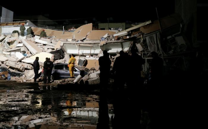 Αλβανία: Αγωνία στα συντρίμμια για τους επιζώντες - Mάχη με τον χρόνο - εικόνα 9