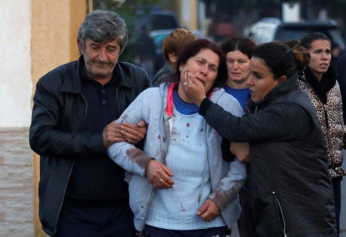 Χάος στην Αλβανία - Σε πρόχειρες σκηνές χιλιάδες σεισμόπληκτοι - εικόνα 21