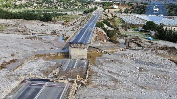 Γέφυρα στη Ρόδο κατέρρευσε σαν χάρτινος πύργος [βίντεο] - εικόνα 4