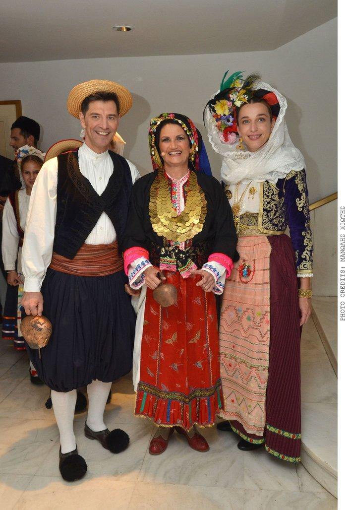 Πασίγνωστοι Αθηναίοι ντύθηκαν Καραγκούνηδες και Σαρακατσάνησες