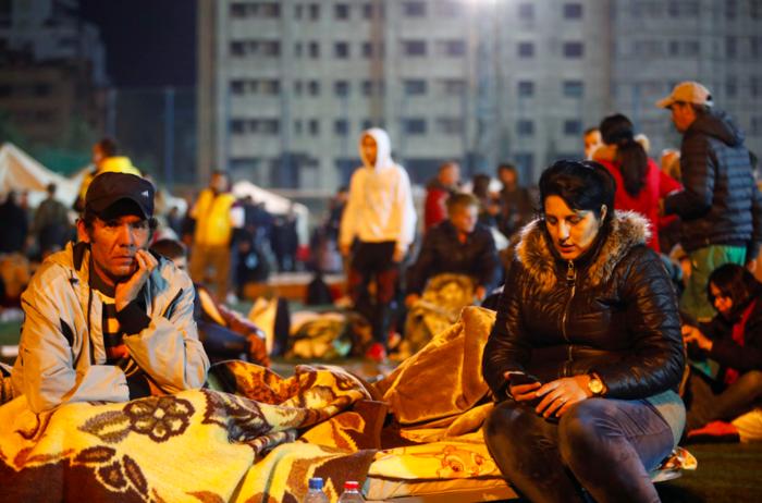 Χάος στην Αλβανία - Σε πρόχειρες σκηνές χιλιάδες σεισμόπληκτοι - εικόνα 6